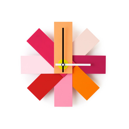 Watch me Wanduhr von Normann Copenhagen in Pink
