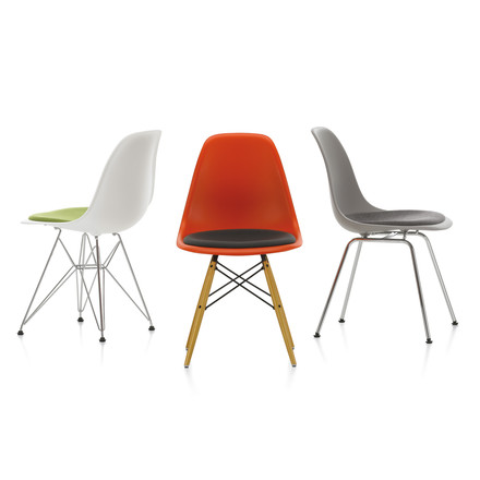 Eames Plastic Side Chair DSX von Vitra