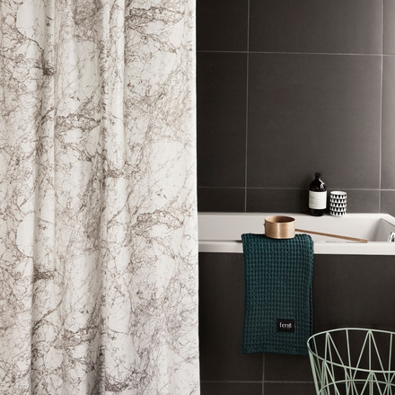 Ferm Living - Duschvorhang, Shower Curtain, Marble