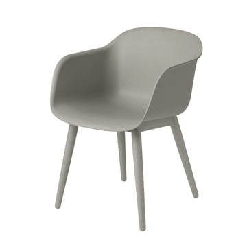 Fiber Chair - Wood Base von Muuto in grau / grau