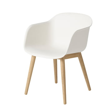 Fiber Chair - Wood Base von Muuto in Weiss / Eiche