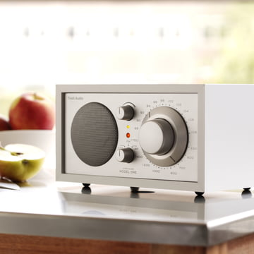 Tivoli Audio Model One - Tisch