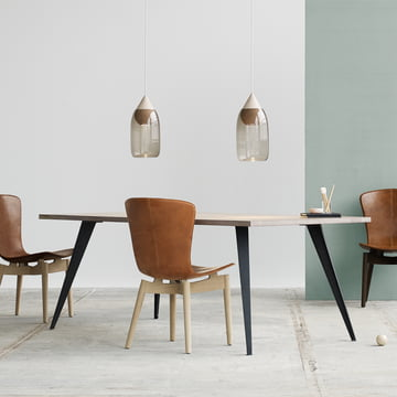 Lignia Dining Table und Shell Dining Chair von Mater