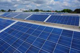 Solaranlage auf dem Dach von Connox
